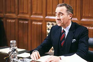 >Yes Minister 05″> </div> </div> <div class=
